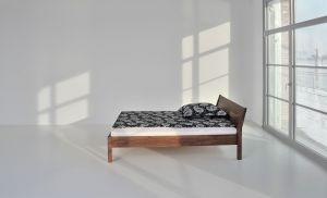 Massief notenhouten design bed Villa