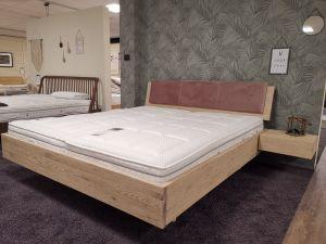 Showroommodel - geborsteld eiken zweefbed met 2 nachtkastjes - maat 180x200