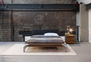 Design bed Luna - massief geolied Amerikaans notenhout