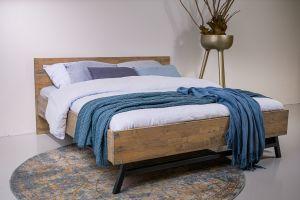 Massief houten bed Hoyt